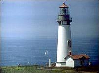 US-OR Yaquina Head lighthouse2