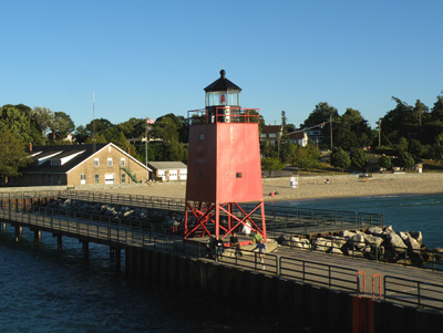US-MI Charlevoix South Pierhead red in 2009